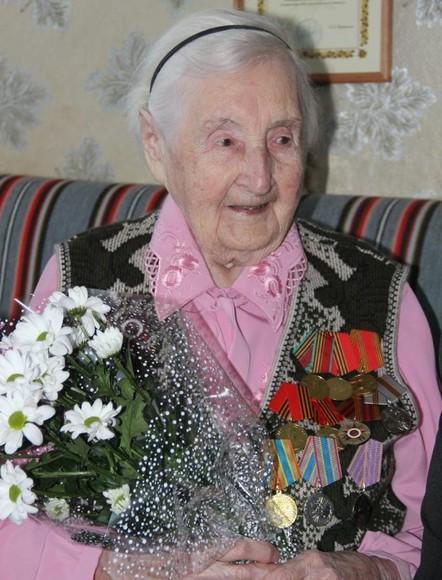 Участница Великой Отечественной войны Лидия Челнокова из Торжка отмечает 100-летие