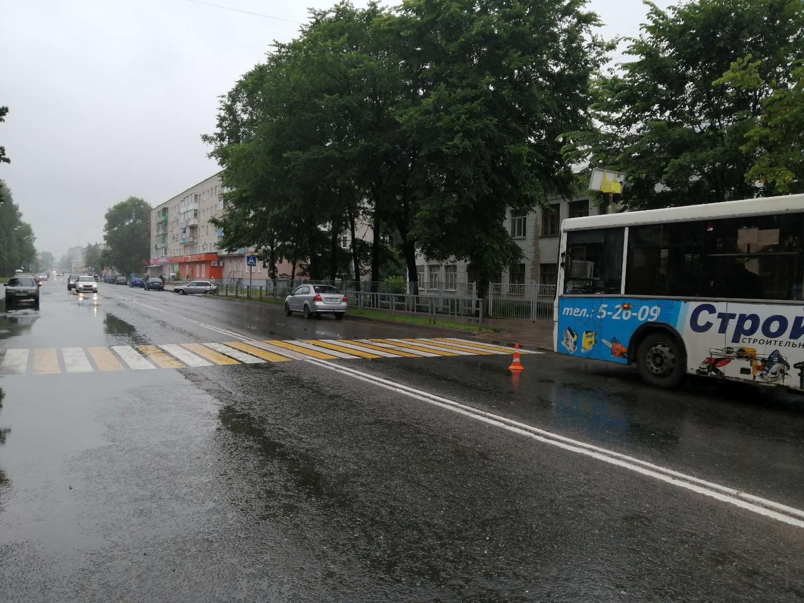В Тверской области пассажирка автобуса пострадала из-за выбежавшего на дорогу пешехода