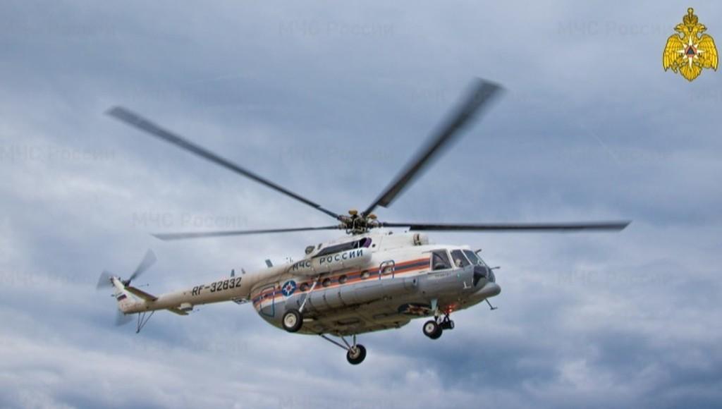 Пациентов из Зубцова в Тверь доставили на вертолете МЧС