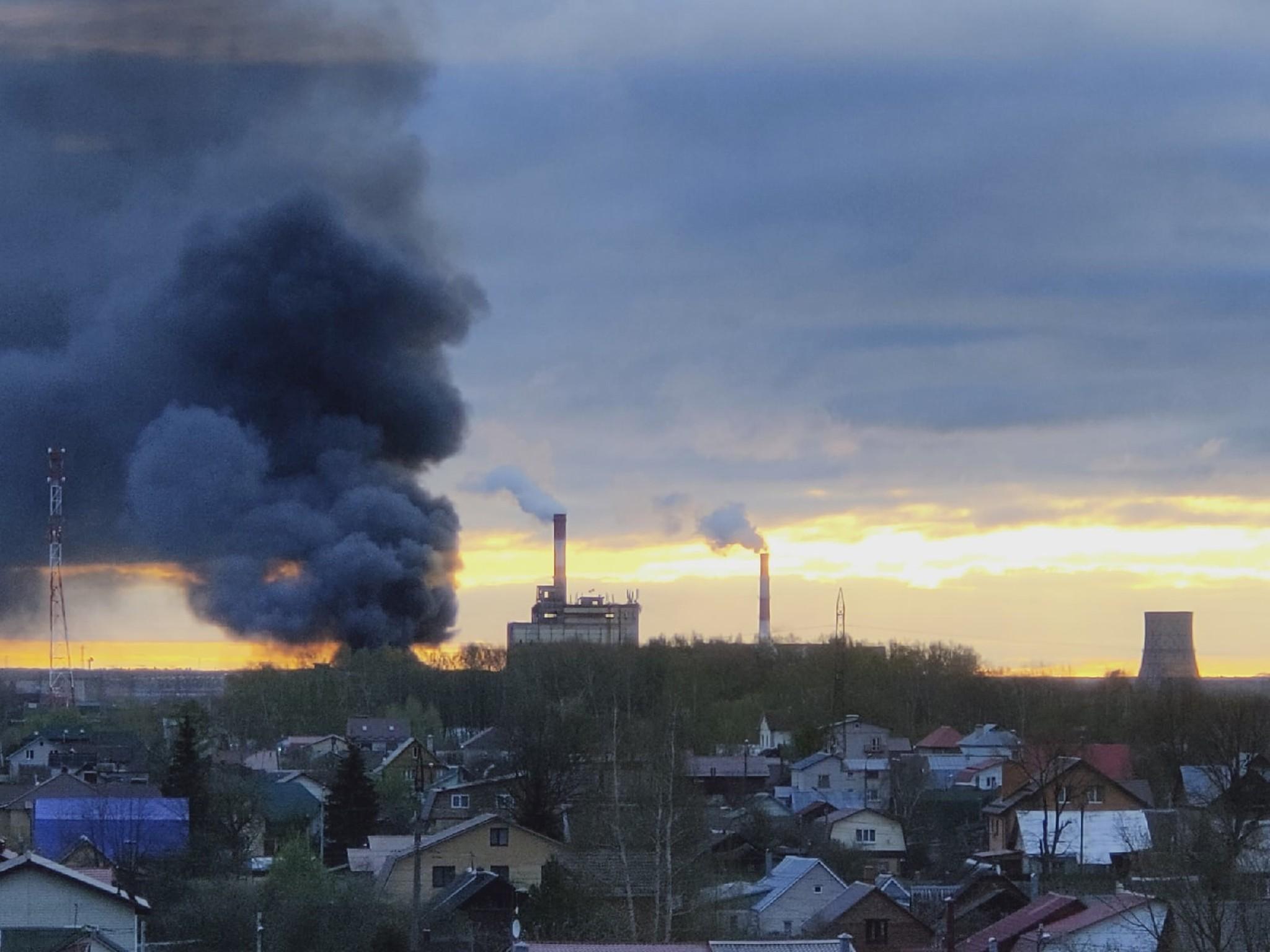 В Твери горело производственное здание