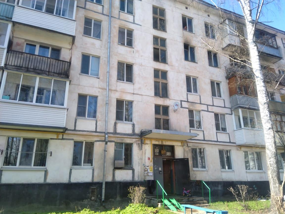 В Тверской области 4-летний ребенок выпрыгнул из окна горящей квартиры