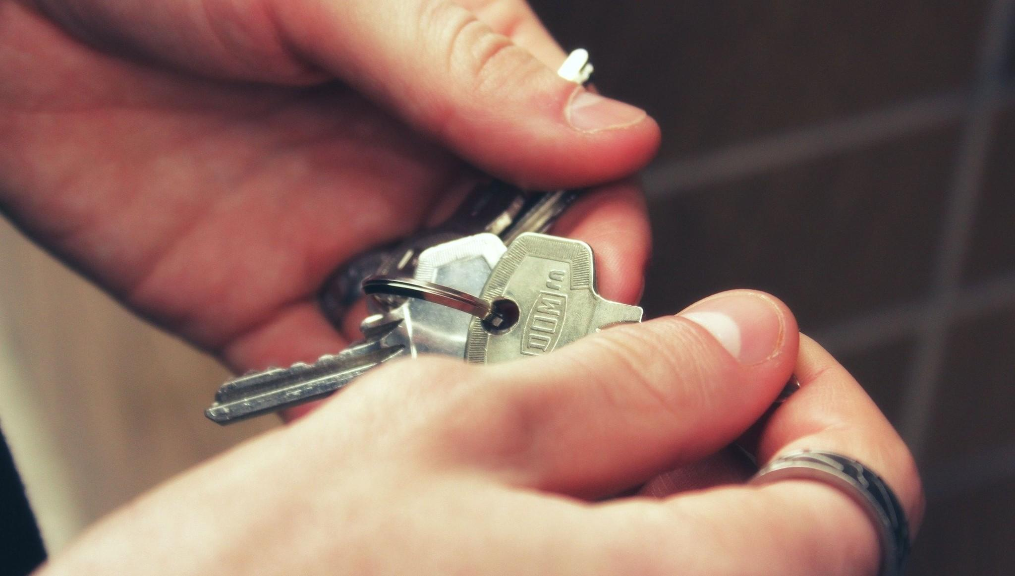 В Тверской области четыре сироты получили жилье после вмешательства прокуратуры - новости Афанасий