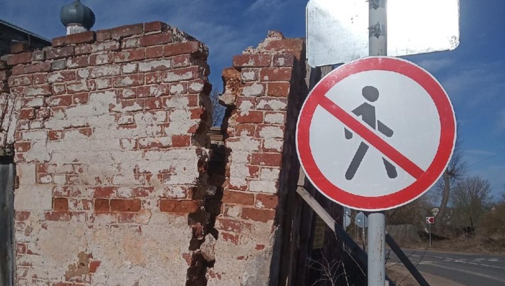 Под Тверью разрушается памятник архитектуры – торговые лавки в селе Васильевском - новости Афанасий