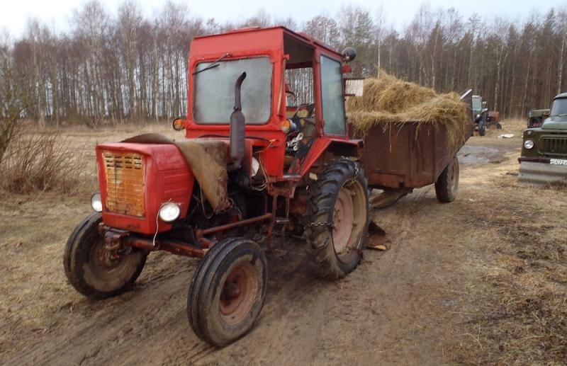 Чтобы вытащить из кювета свою «Ладу» житель Тверской области угнал с фермы трактор - новости Афанасий