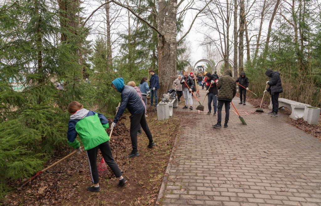 Молодые атомщики и школьники Удомли присоединились к масштабной экологической акции «Зеленая весна - 2021» - новости Афанасий