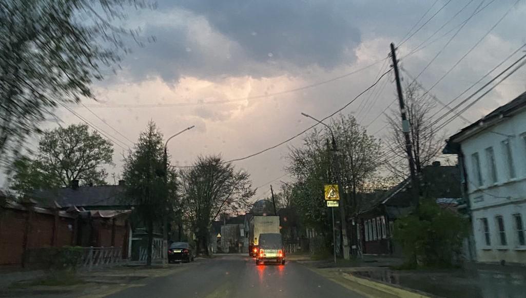 Улицы Торжка Тверской области из-за сильного ветра остались без освещения - новости Афанасий