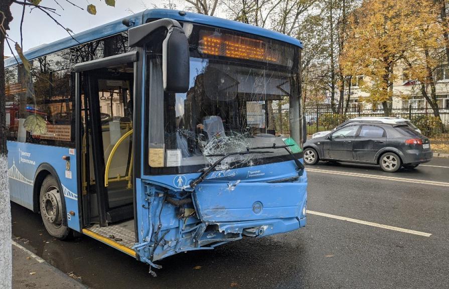 «Верхневолжское АТП» проведет проверку обстоятельств ДТП с автобусом в Твери - новости Афанасий