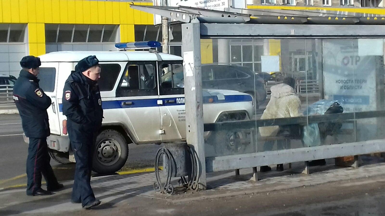 В Твери на остановке общественного транспорта умер человек - новости Афанасий