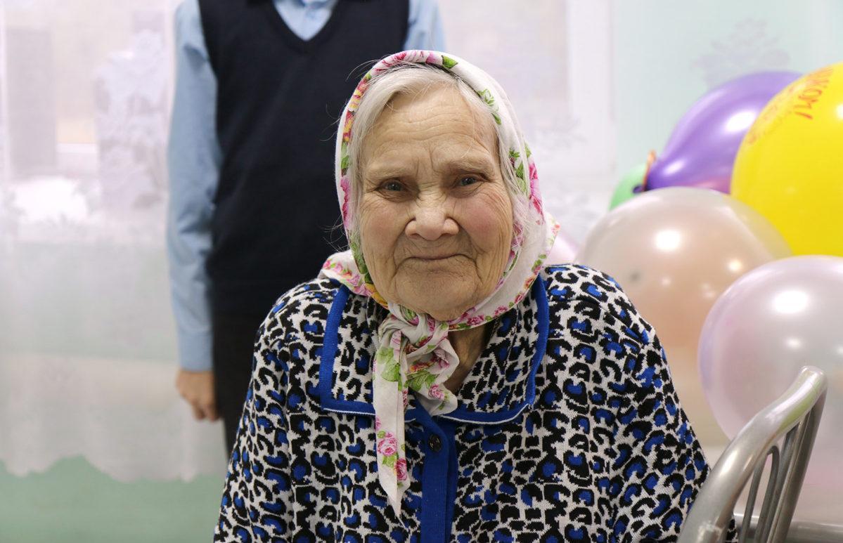 ВТБ запустил программу со встроенной благотворительностью от инвестиций в ПИФ в помощь пожилым людям - новости Афанасий