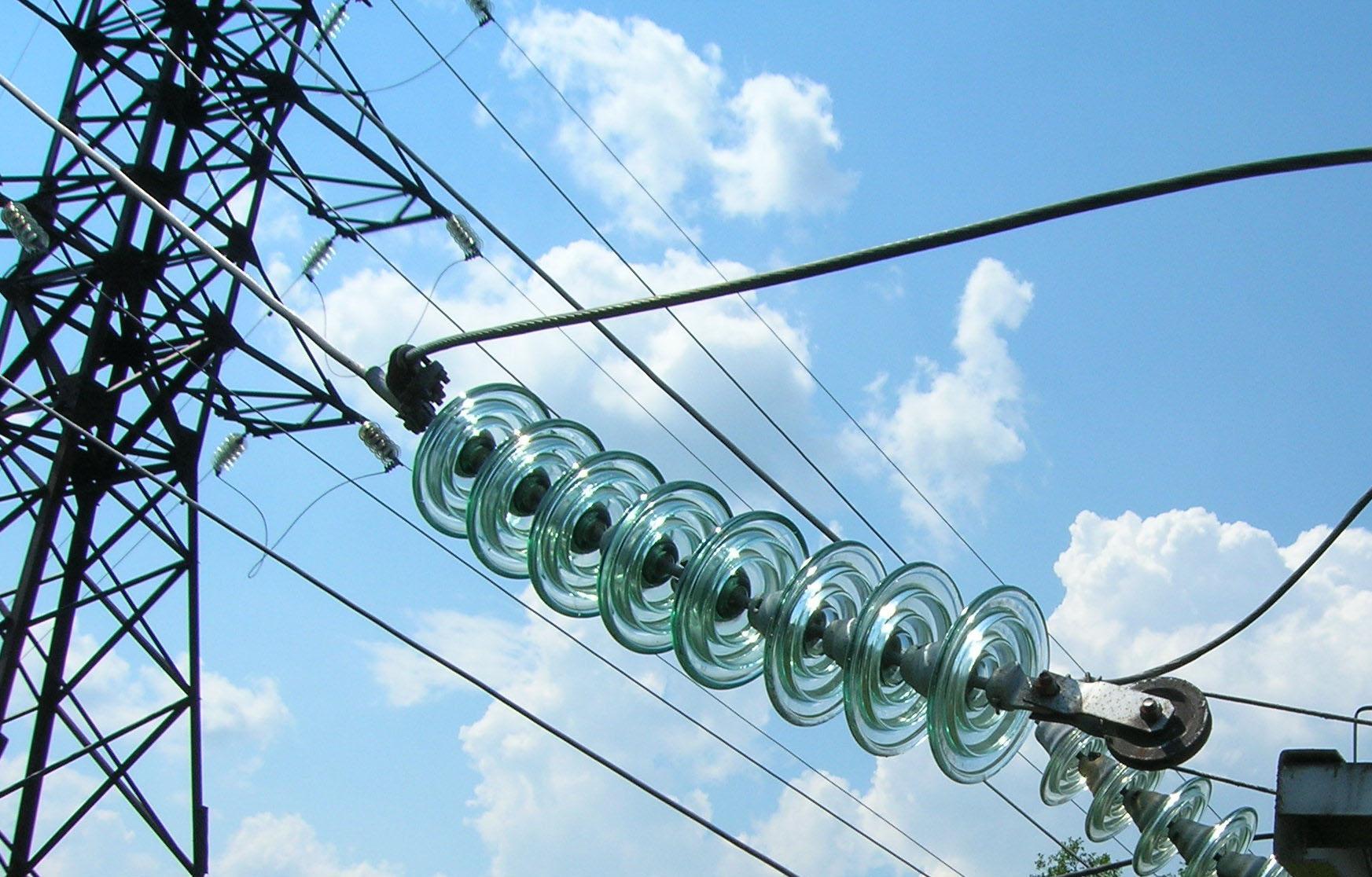 Энергетики Тверьэнерго завершили работы по замене полимерной изоляции на высоковольтных ЛЭП - новости Афанасий