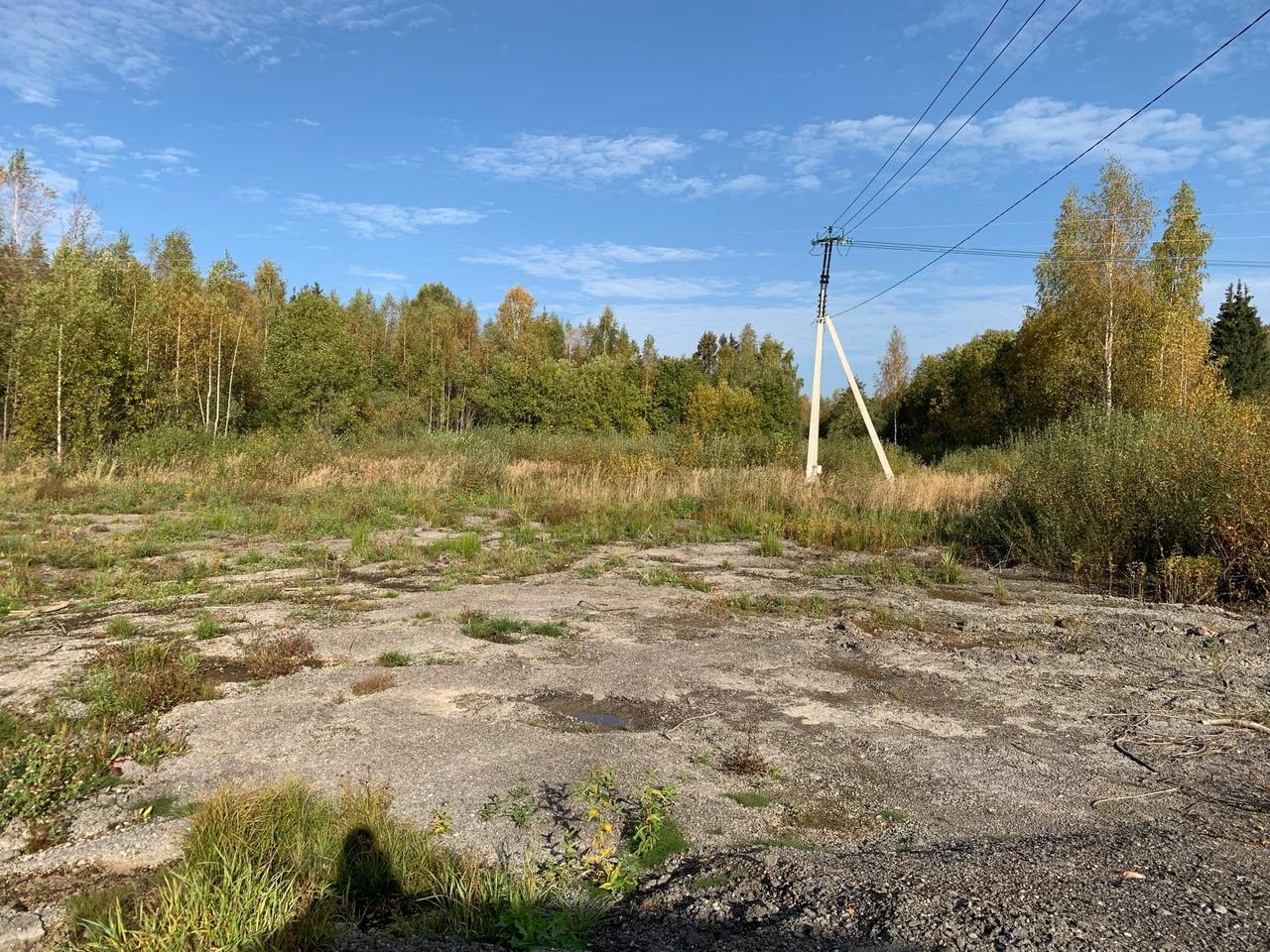 Под Старицей на сельхозземлях устроили склад производственных отходов