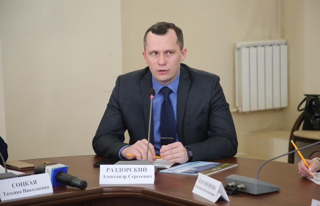 Эпидемиолог Александр Раздорский: «В среднем продолжительность любой эпидемии — два года, значит, мы на середине пути» - новости Афанасий
