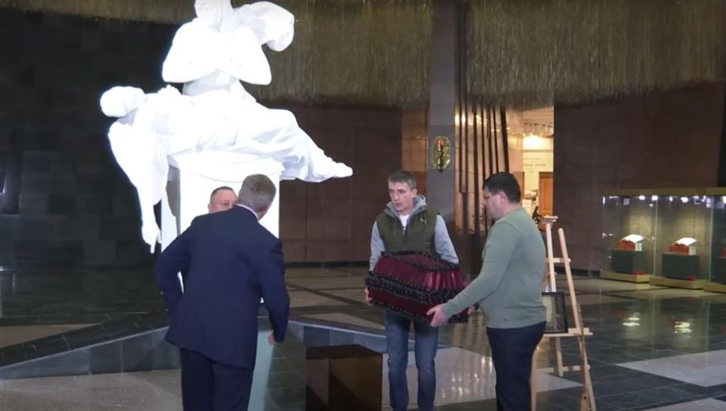 В Музее Победы передали на родину останки и вещи красноармейца, найденные в Тверской области - новости Афанасий