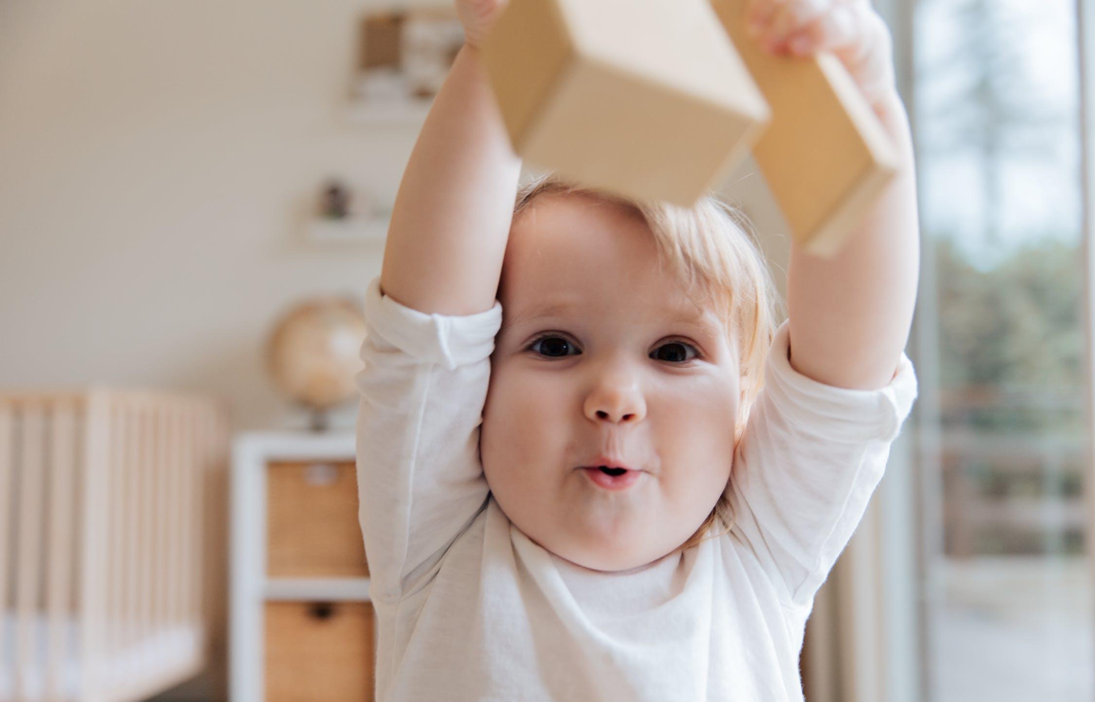 Новый суперсервис для детских пособий запустят в России - новости Афанасий