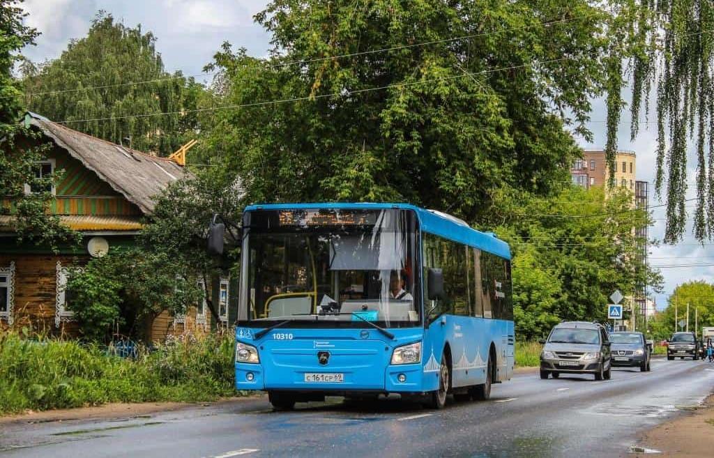 В Твери в автобусах транслируют обращение к родителям с просьбой беречь детей - новости Афанасий