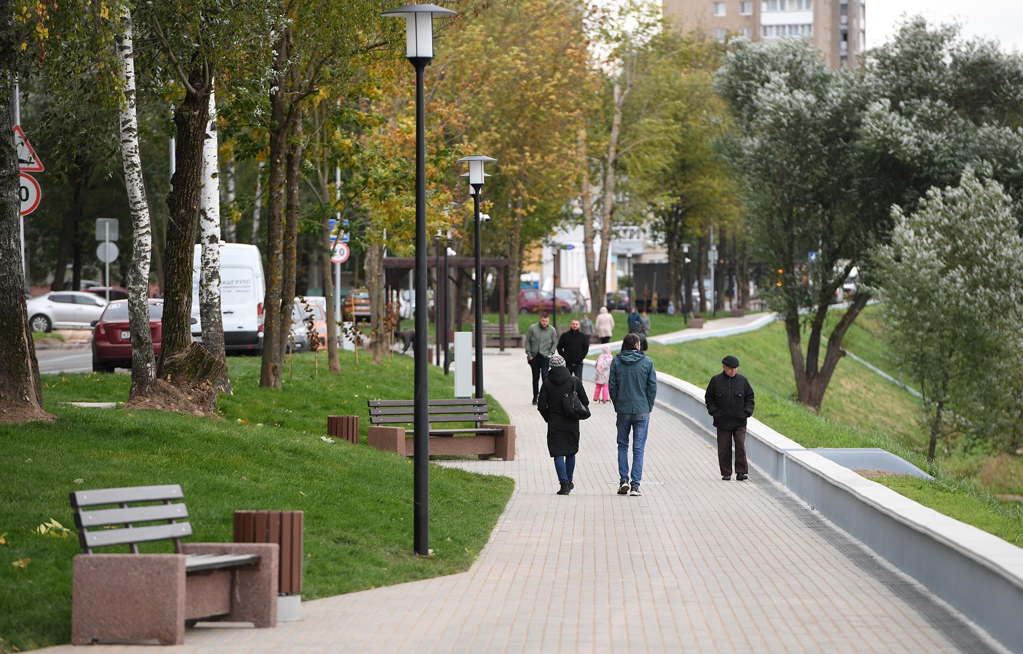 Игорь Руденя осмотрел благоустроенную Мигаловскую набережную в Твери