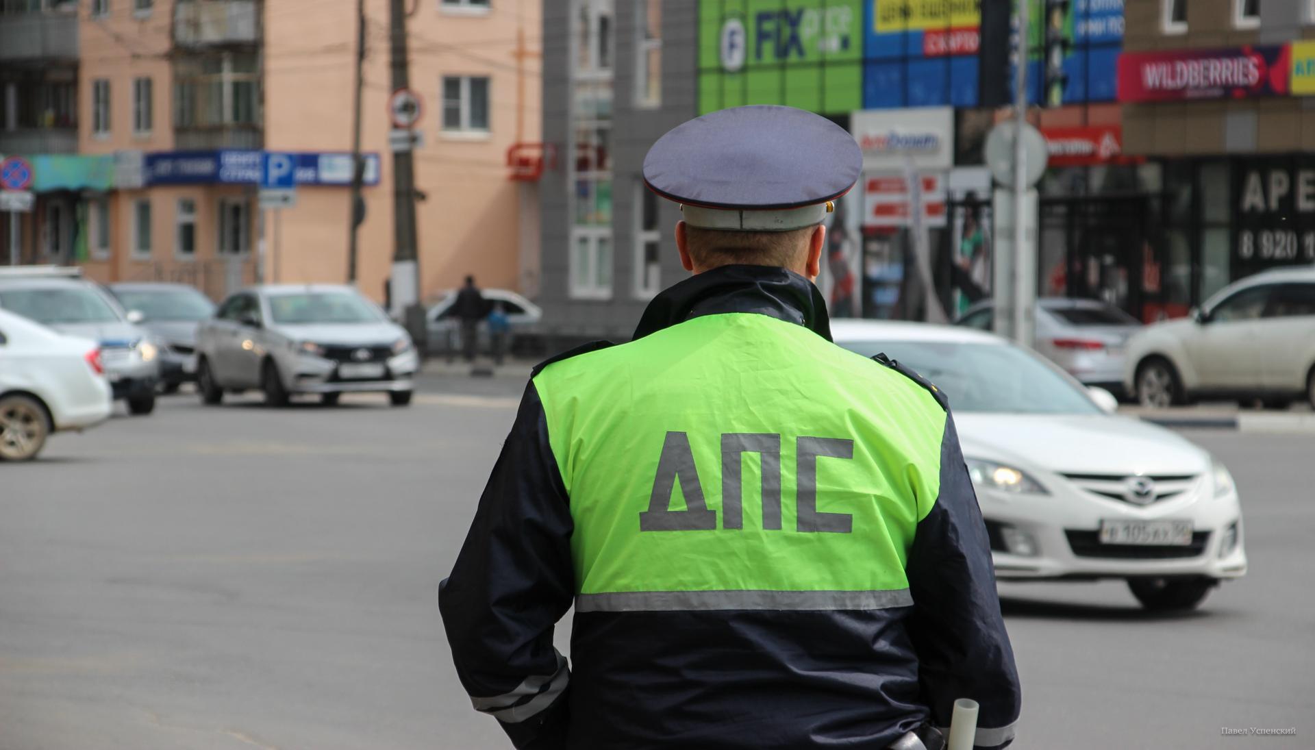 Житель Тверской области ищет сотрудника ДПС, который помог довезти ребенка в больницу - новости Афанасий