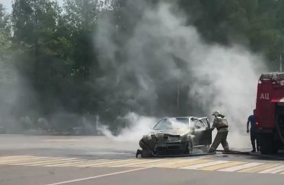 В Тверской области пожарные тушили загоревшийся на дороге автомобиль - новости Афанасий