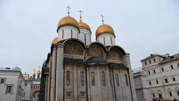 В Москве проходит Божественная литургия в честь 700-летия подвига Михаила Тверского