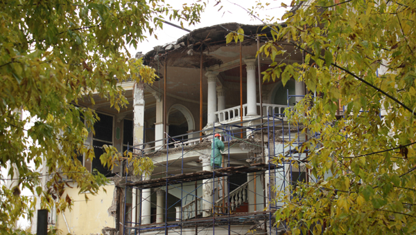 Руины Речного вокзала Твери в ближайшее время закроют баннером