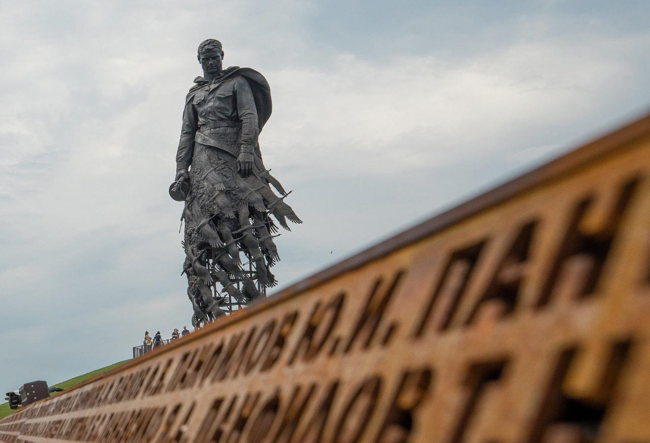 Председатель Госдумы Вячеслав Володин и губернатор Игорь Руденя возложат цветы к Ржевскому мемориалу Советскому солдату