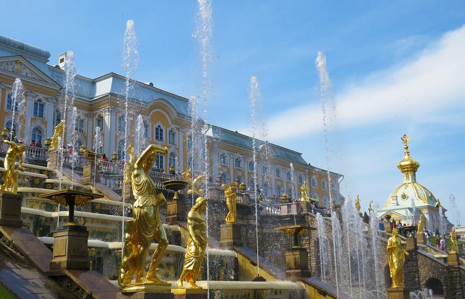 Россияне стали чаще проводить отпуск в путешествиях по стране  - новости Афанасий