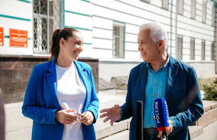 Владимир Васильев и Юлия Саранова подали документы в избирком для регистрации на выборы в Госдуму - новости Афанасий