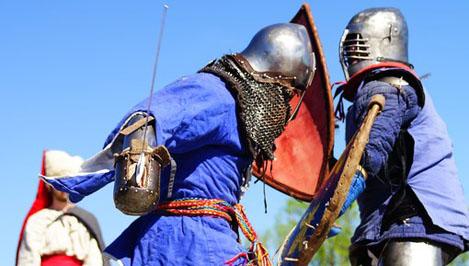 В Твери прошел фестиваль «Тверская застава»: на берегу Волги вновь развернулись средневековые баталии