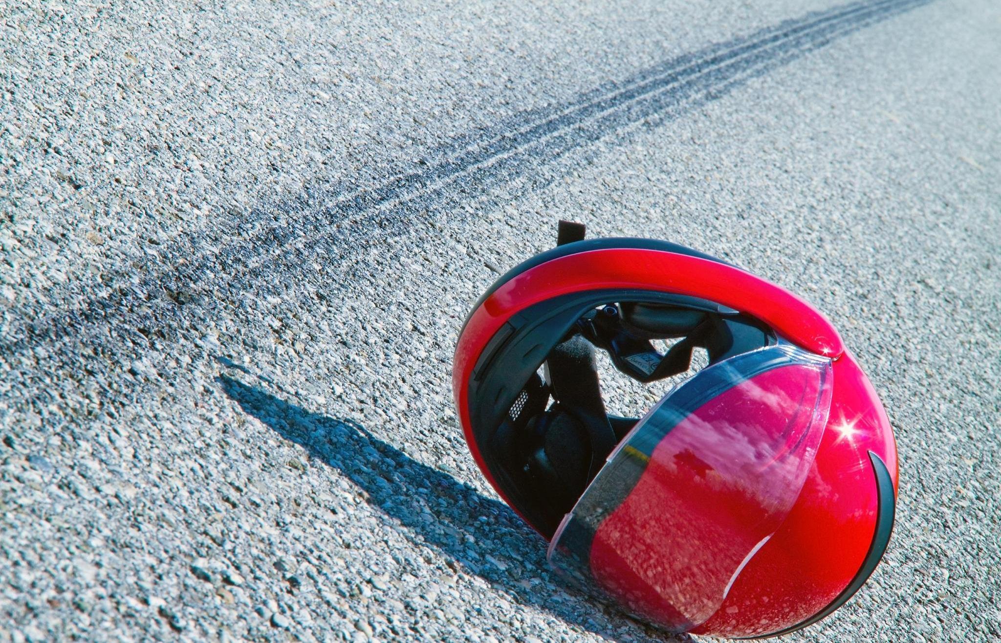 15-летний мотоциклист столкнулся с легковушкой в Тверской области