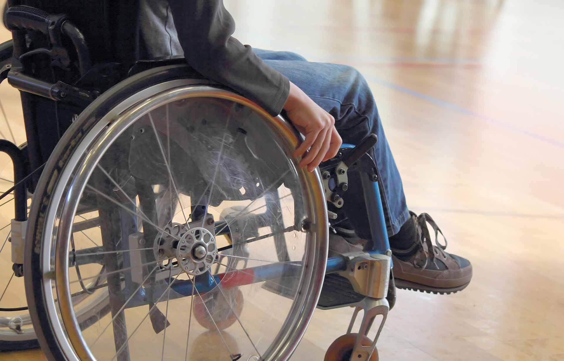 Путин подписал указ об обслуживании детей-инвалидов без очереди - новости Афанасий