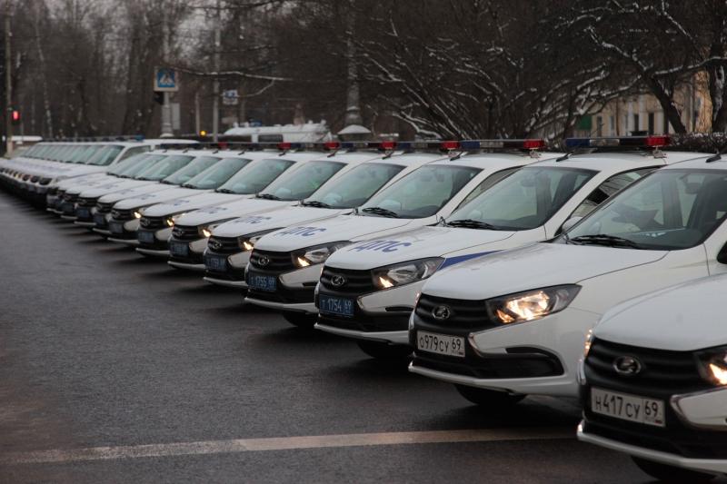 Полиция Тверской области получила 85 новых автомобилей - новости Афанасий