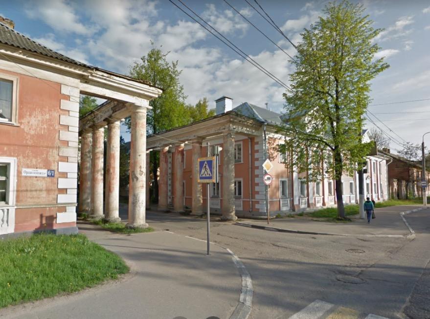 В Твери ищут собственников колоннад на улице Орджоникидзе - новости Афанасий