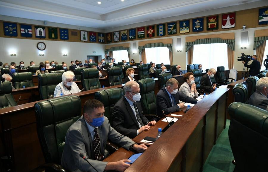 Законодательное Собрание рассмотрело исполнение бюджета ТФОМС за 2019 год - новости Афанасий