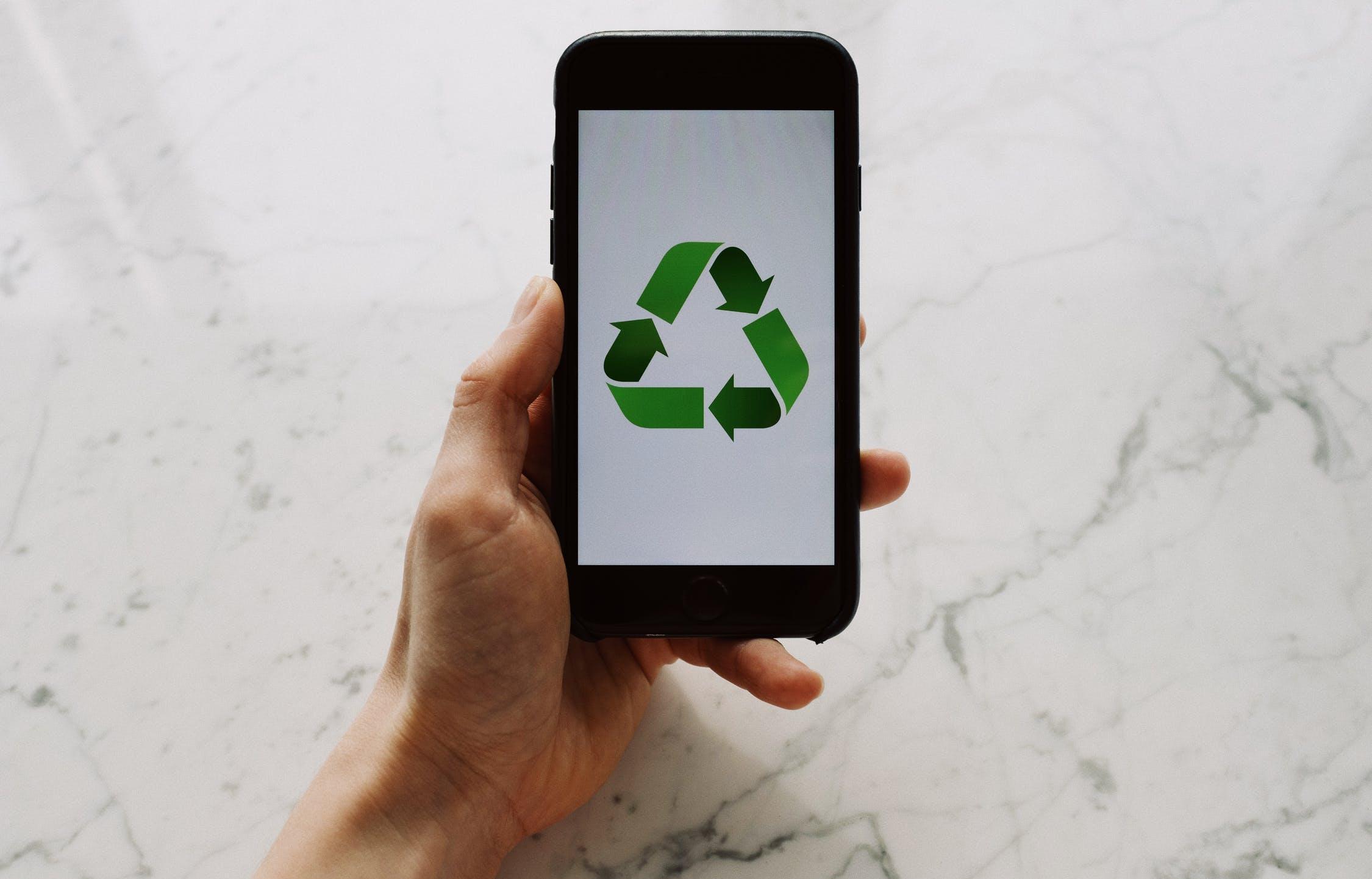 МКБ передал в безотходную переработку более 200 тонн электронного мусора - новости Афанасий