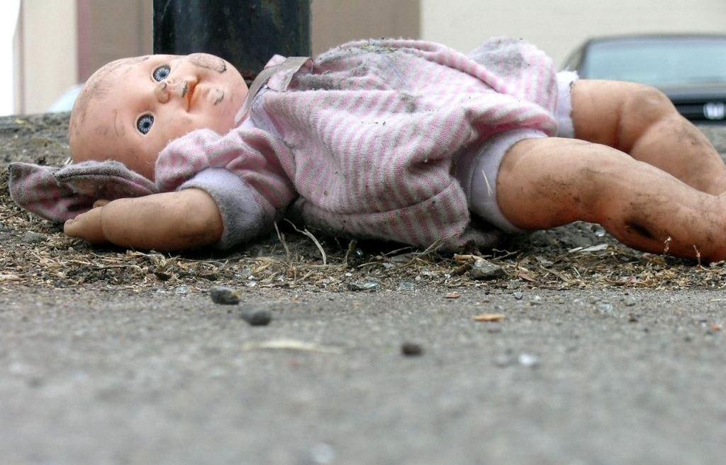 В Твери осуждена родившая в туалете и задушившая ребенка пуповиной мать  - новости Афанасий