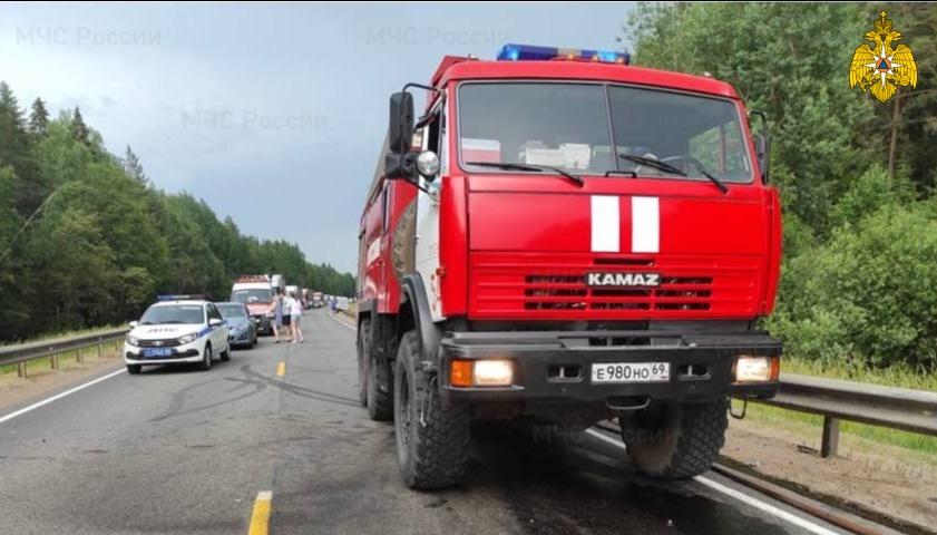 Один погиб и двое в тяжелом состоянии: лобовое ДТП на М9 в Тверской области - новости Афанасий