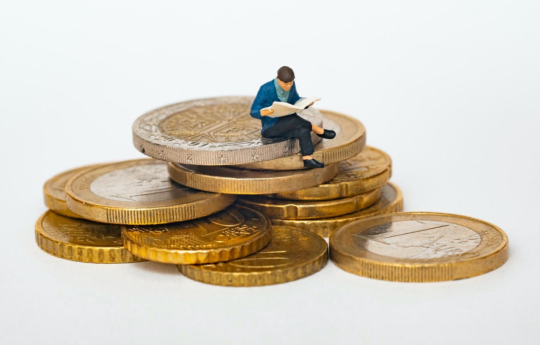Банк «Открытие»: 37% россиян живут в режиме постоянной экономии денег - новости Афанасий