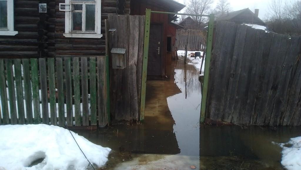 Жители Тверской области жалуются в соцсетях на потоп на улицах и во дворах