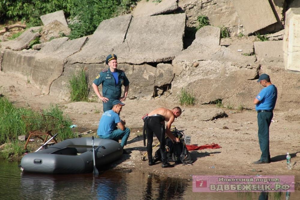 В Тверской области мужчина нырнул с моста в реку и не выплыл на поверхность