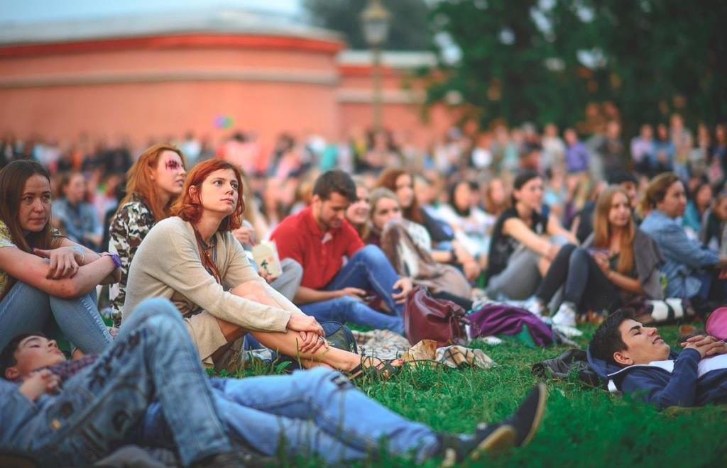 В Твери можно будет посмотреть кино под открытым небом  - новости Афанасий