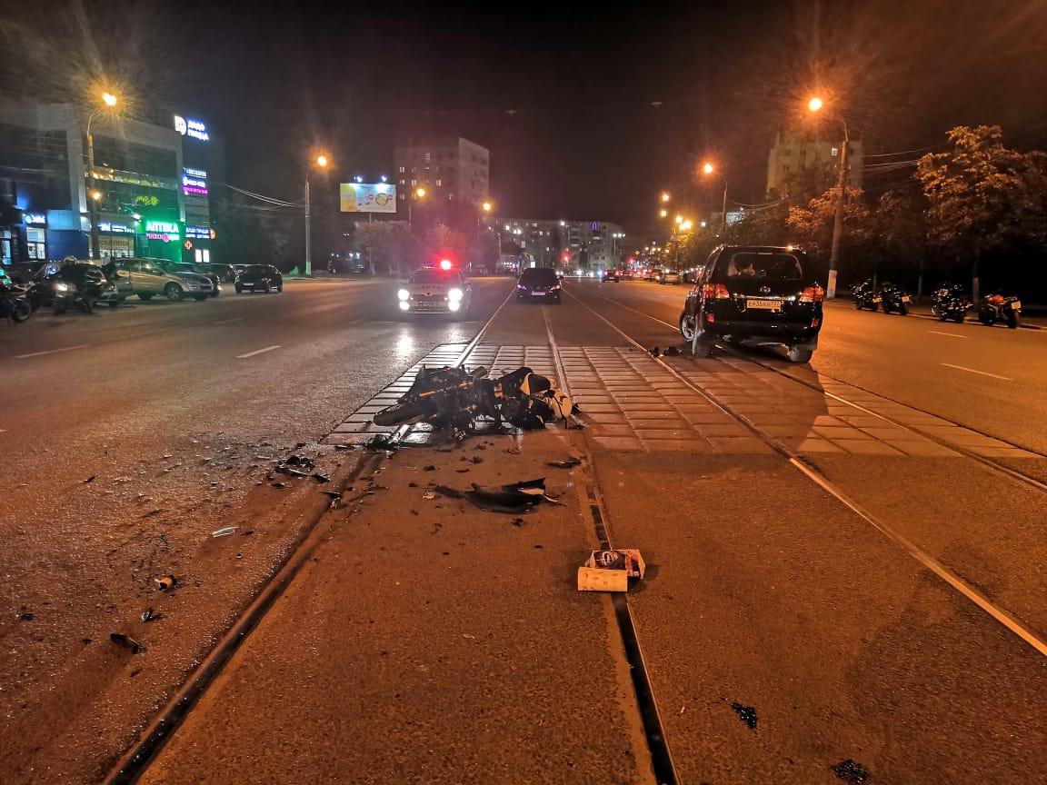 Момент ДТП с мотоциклом и внедорожником в Твери записал видеорегистратор - новости Афанасий
