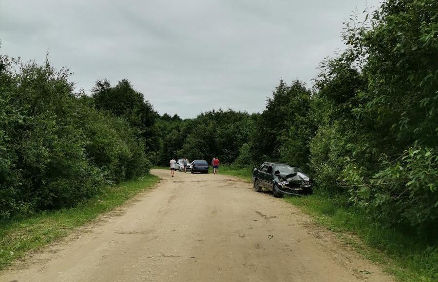 В Тверской области столкнулись две легковушки: один из водителей был пьян, другой сбежал с места ДТП - новости Афанасий