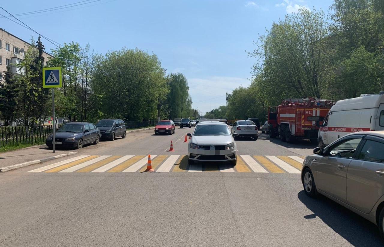 В Твери на пешеходном переходе сбили 16-летнюю девочку