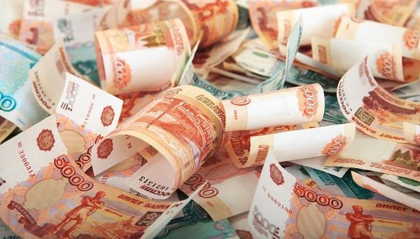 Завод в Тверской области не платил 900 работникам