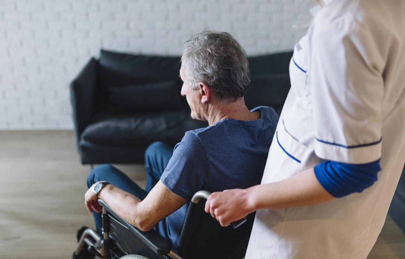 В Твери собирают вещи первой необходимости для пожилых инвалидов - новости Афанасий