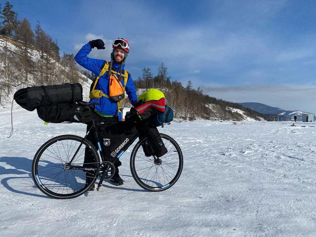 Стартовало уникальное путешествие тверского экстремала Иракли Удзилаури на велосипеде по Байкалу