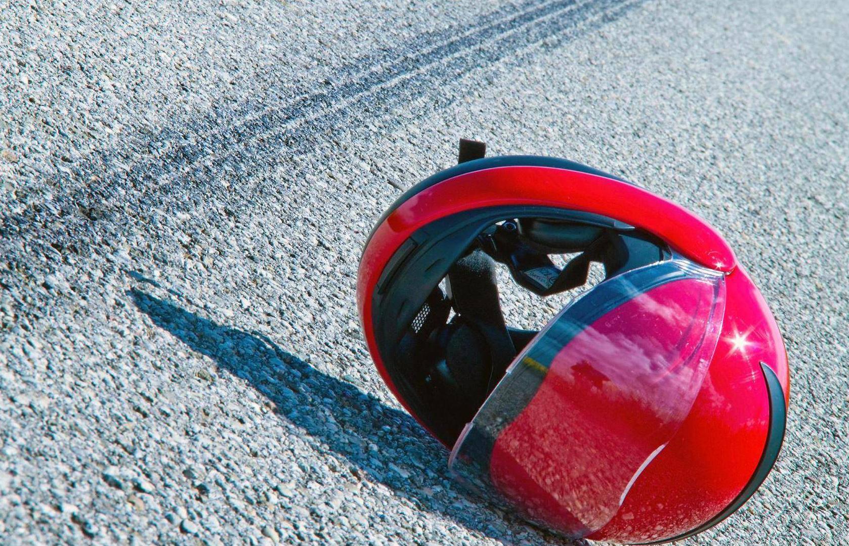 В Твери Москвич 2141 врезался сзади в мотоцикл - новости Афанасий
