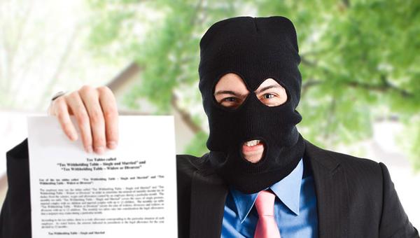 Путиным подписан закон, запрещающий коллекторам угрожать иназванивать должникам