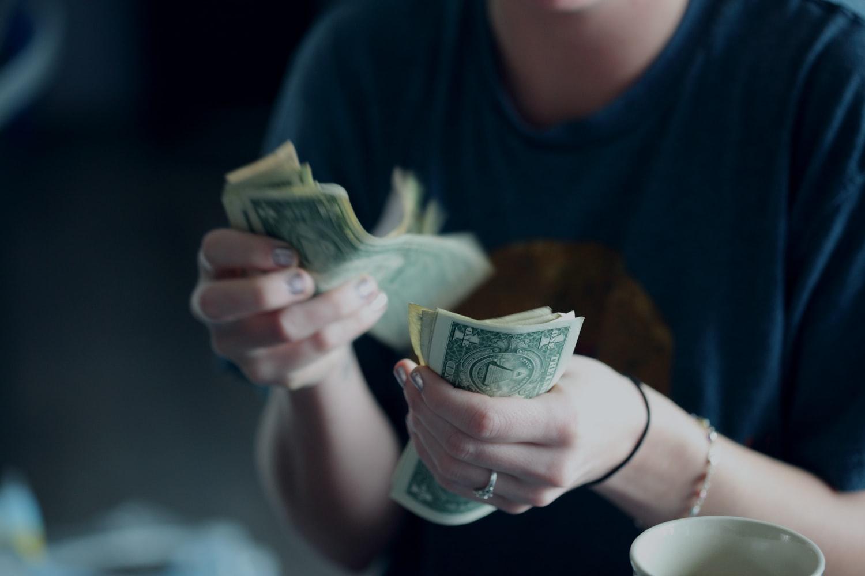 ВТБ в 10 раз снизил сумму для льготного обмена валюты