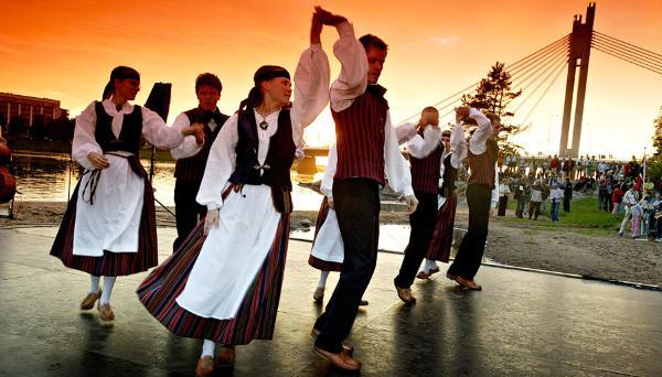 Финны приедут в Тверскую область станцевать на Троицких гуляниях